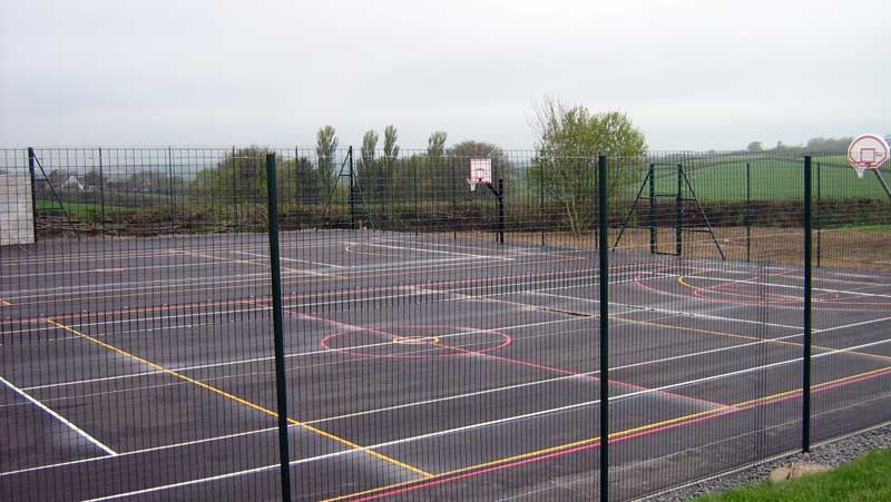 SCHOOL COURT WIRE MESH SPORTS FENCE
