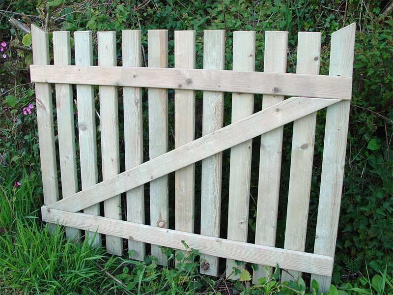 Domestic gate wooden gates bar picket for